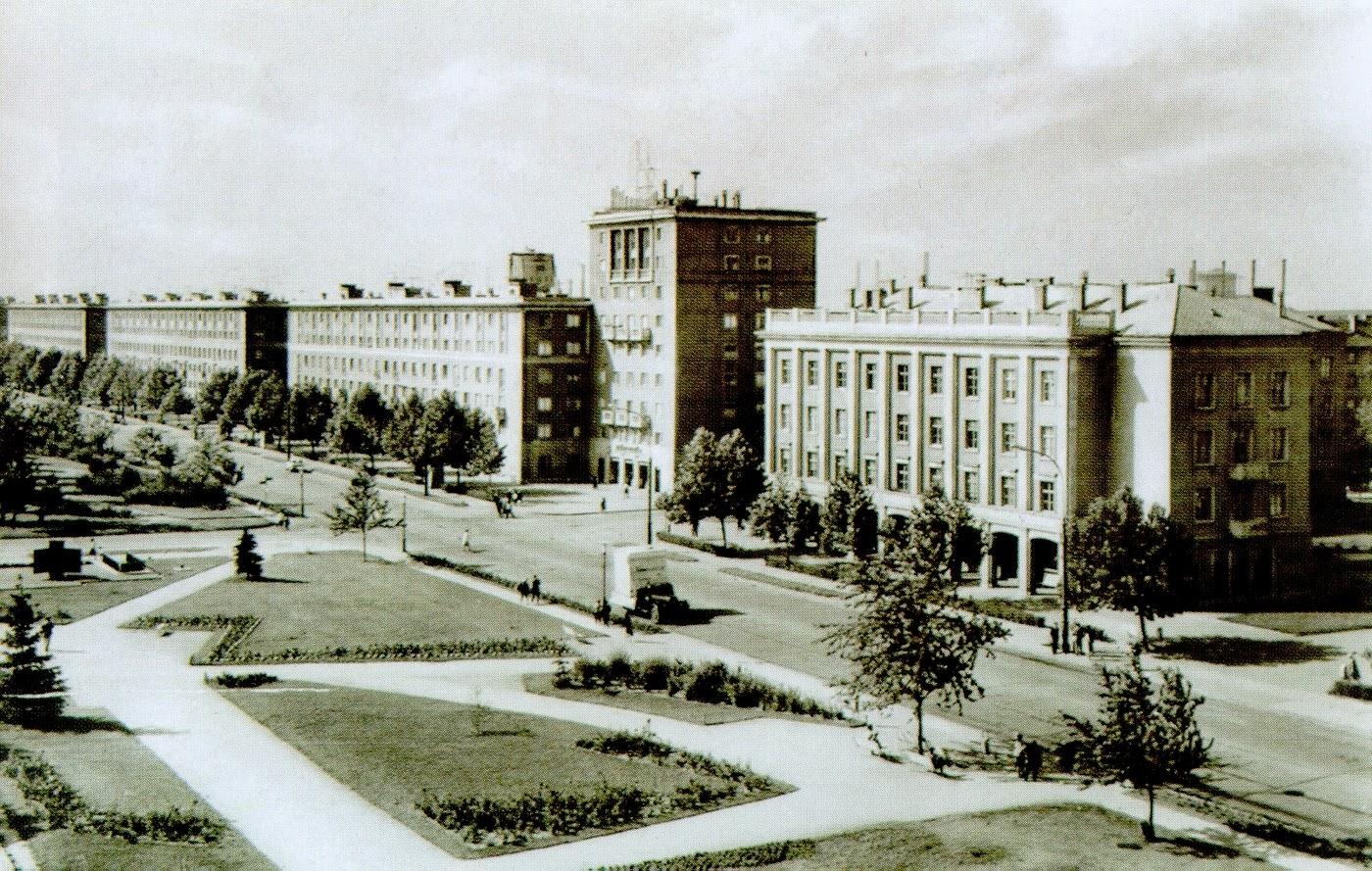 Mit látott M. Joyon Sztálinvárosban?