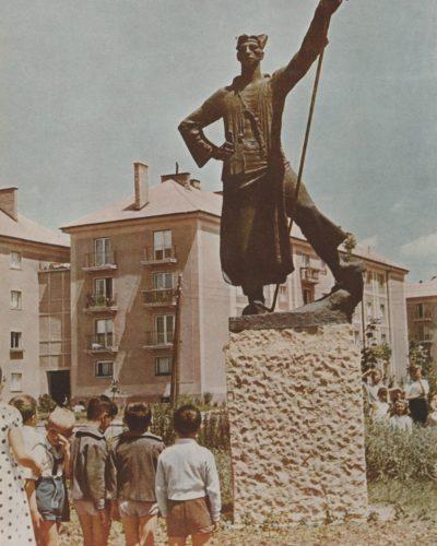 Két levél egy szoborról