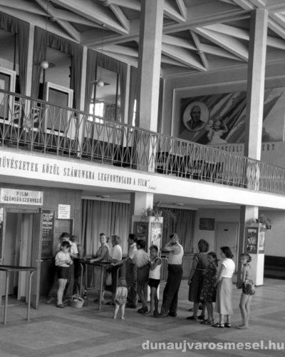 Megnyitotta kapuit az átalakított Dózsa Filmszínház