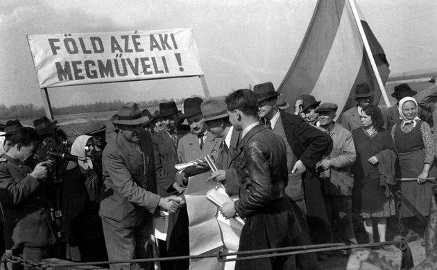 Földreform Dunapentelén 1945-ben